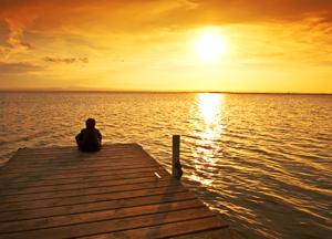 Spánek - Obrázek meditujícího člověka u moře